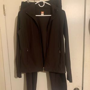 Lucy brand brown suit